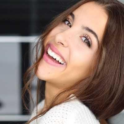 Raquel Reitx Publica Una Foto Medio Desnuda Para Promover La
